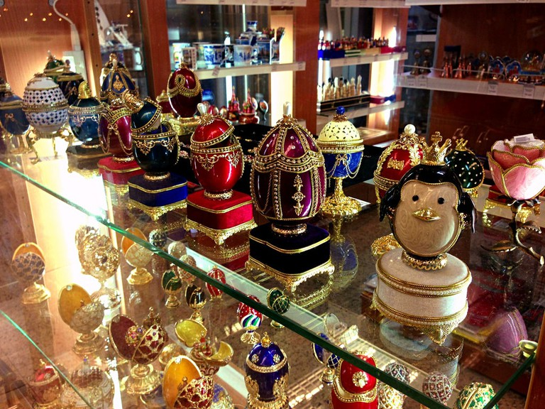 Fabergé eggs in Moscow airport │
