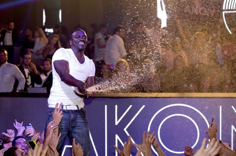 Akon sang 'Chammak challo' in the film Ra.One