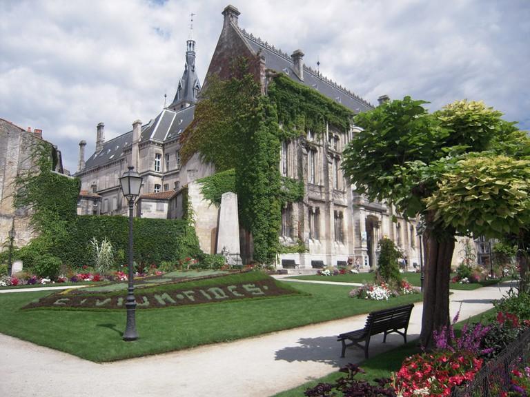 Hotel de Ville Angouleme