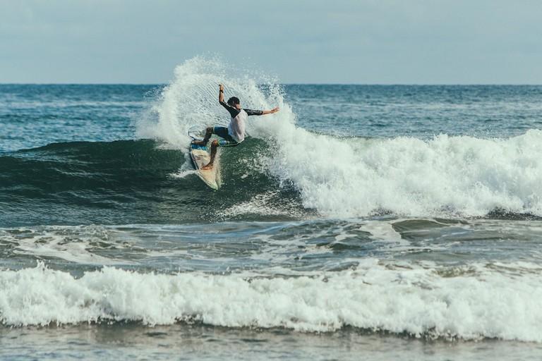 Hitting the waves I