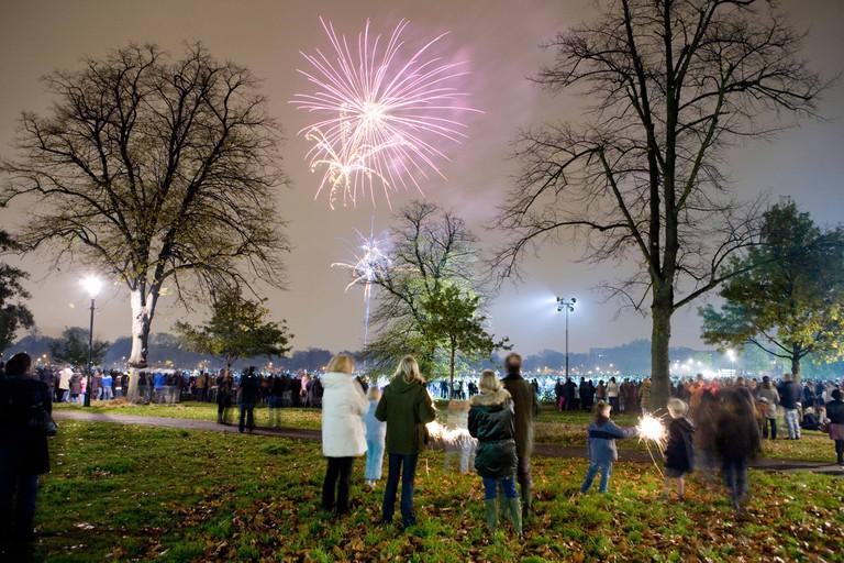 Fireworks Display Clapham Common London UK Europe. Image shot 2008. Exact date unknown.