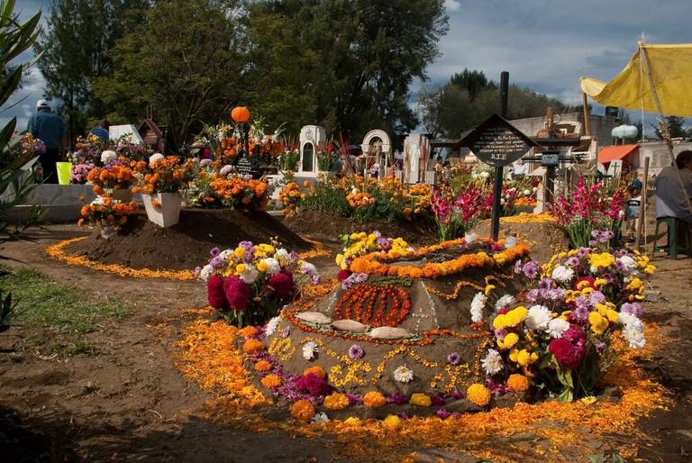 Tecomitl Cemetery / flickr