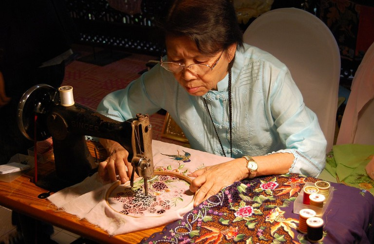 Embroidery demonstration at National Craft Complex