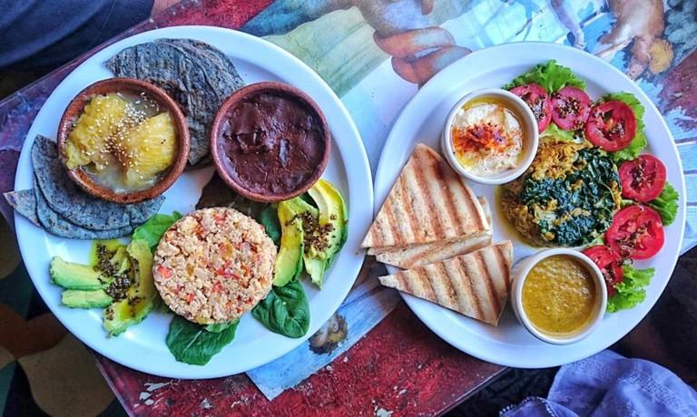 Samsara breakfasts, Antigua Guatemala © Selene Nelson