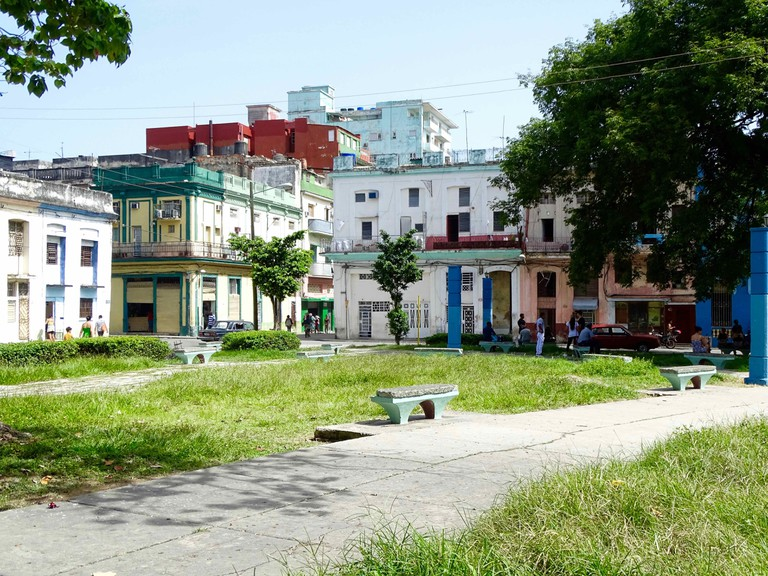 Public space and Wi-Fi park in Centro Habana | © Amber C. Snider