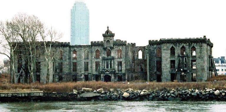 Roosevelt Island Smallpox Hospital l Wikicommons