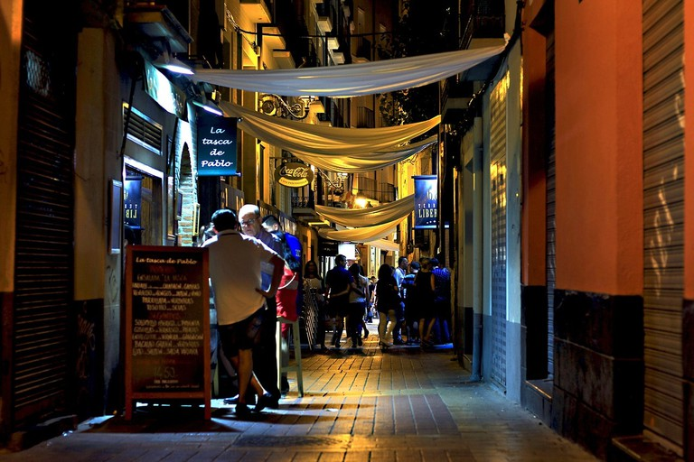 Late night eating in Spain CC0 Pixabay
