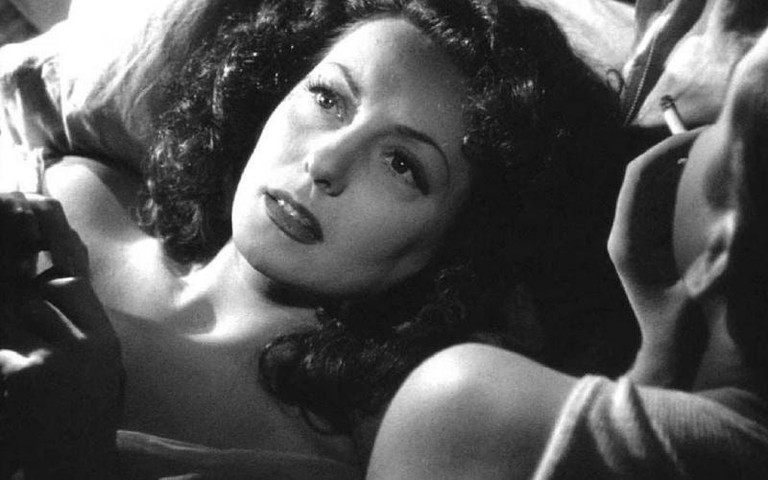 Femme fatale: Alice (Vivian Romance) with her lover Alfred (Paul Bernard) in Panique