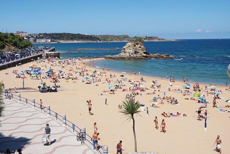 Playa del Camello, Santander, Spain   ©Tiia Monto / Wikimedia Commons