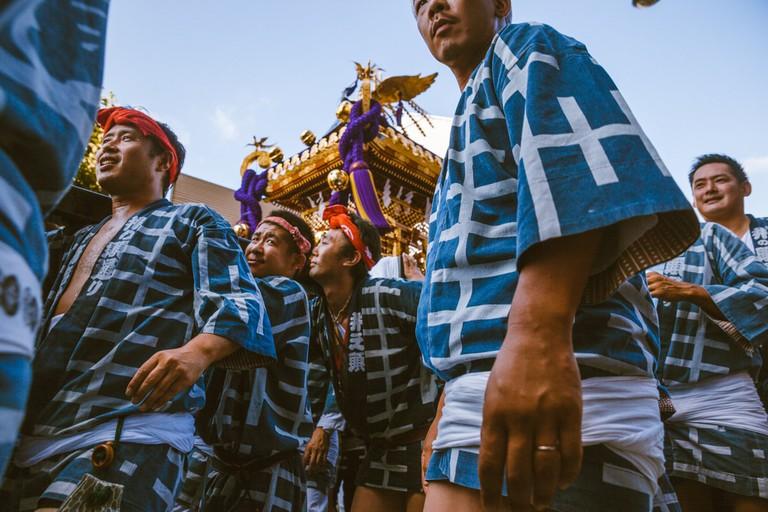 Kichijoji festival participants carrying their Mikoshi | Mithila Jariwala / © Culture Trip