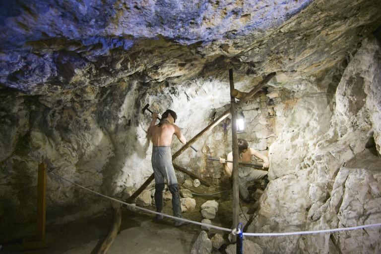 Lifelike models in the Great Siege Tunnels; courtesy www.visitgibraltar.gi