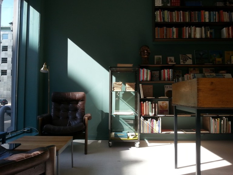 Inside Schous Bøker
