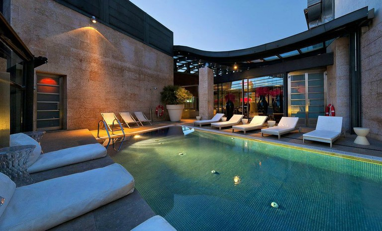 The rooftop pool of Madrid's Hotel Urban