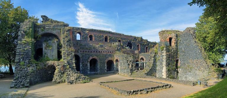 Ruins of Kaiserpfalz in Dusseldorf | © Mikhail Markovskiy/Shutterstock