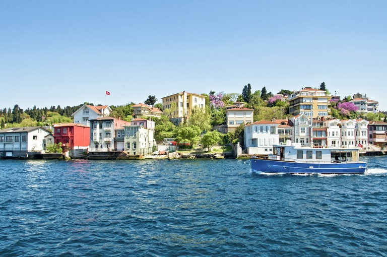 Colonial houses on the Bosphorus, Turkey   © Delpixel/Shutterstock