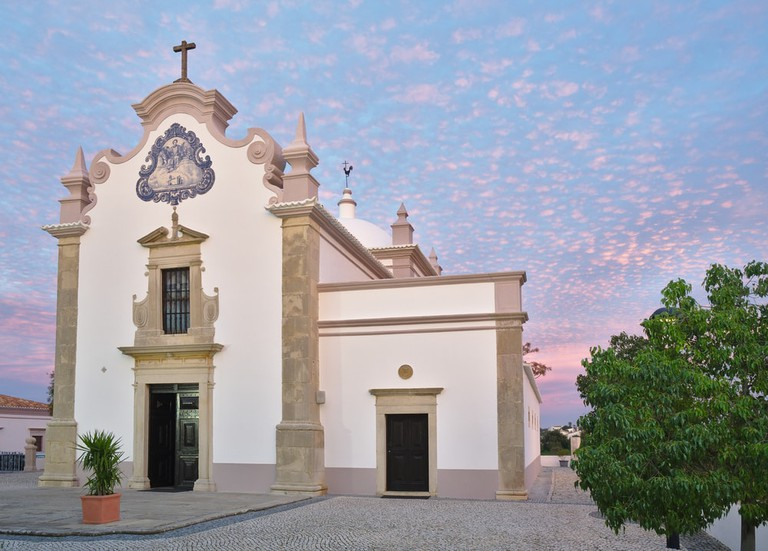 17th century church, dedicated to Saint Lawrence of Rome, Algarve, Portugal   © AngeloDeVal/Shutterstock