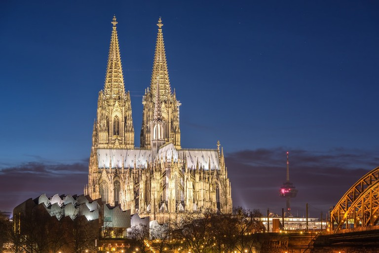 Cologne cathedral at night | © freedom100m/Shutterstock