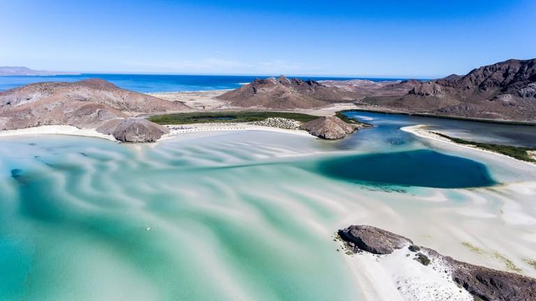 Balandra Beach, Baja California Sur, Mexico   © Leonardo Gonzalez/Shutterstock
