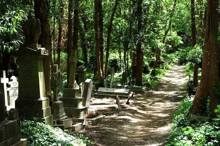 Highgate Cemetery | © Eclecticism / Shutterstock