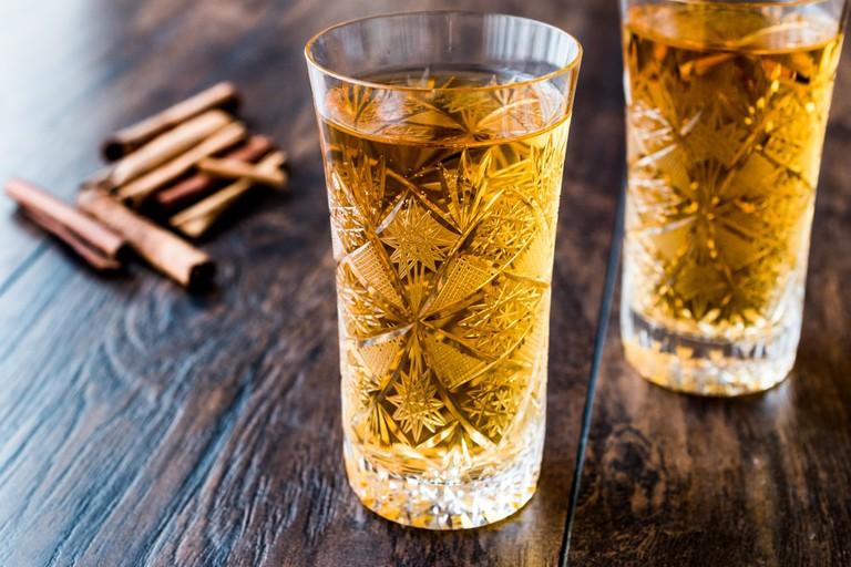 Saffron sherbet with cinnamon sticks