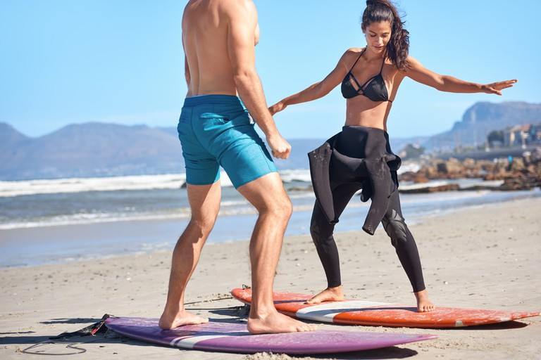 Surfing lessons | © Daxaio Productions/Shutterstock