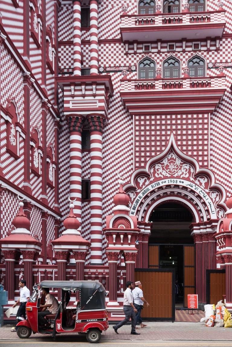 Jamiul Alfar Mosque in Colombo, Sri Lanka | © Athikhom Saengchai/Shutterstock