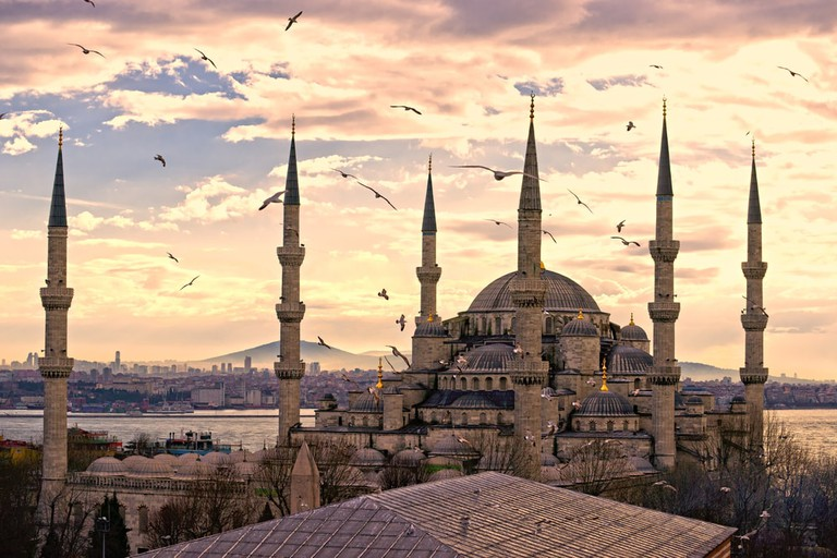Sunset over The Blue Mosque, (Sultanahmet Camii), Istanbul, Turkey   © Luciano Mortula/Shutterstock