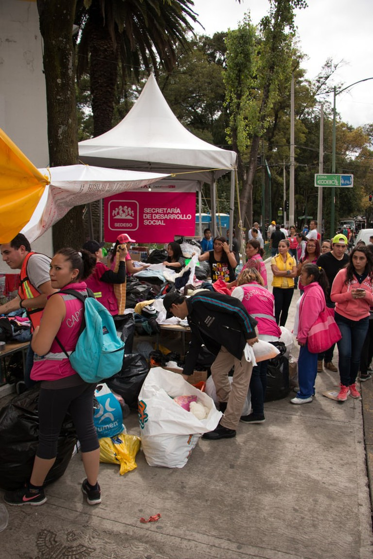 Clothes distribution support center after the Mexican earthquake | © schlyx/Shutterstock