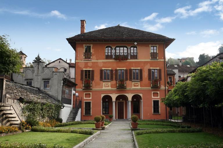 Elaborate Villa, Italy   © St. Nick/Shutterstock