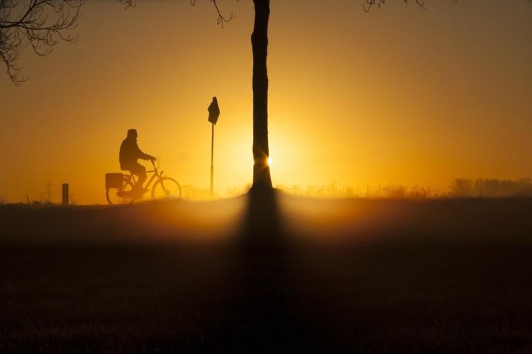 An early morning winter bike ride