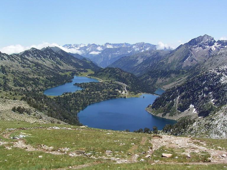 Take a hike across the Pyrenees| Pethrus| WikiCommons