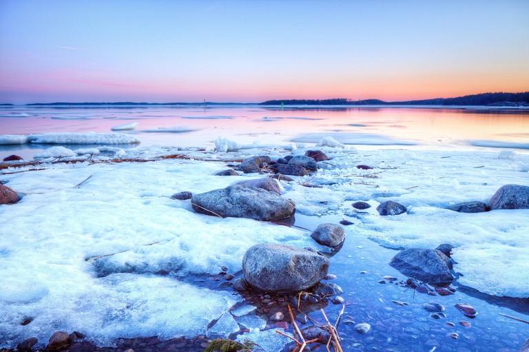 Iced over ocean / Finmiki / Pixabay