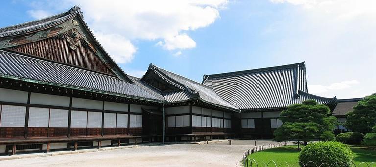 1024px-Nijo_Castle