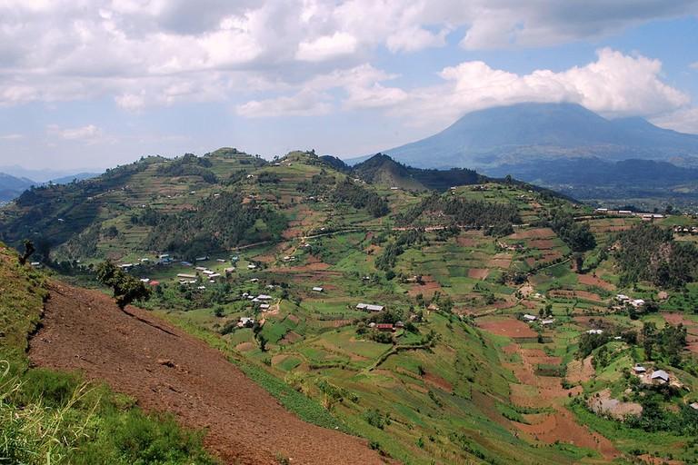 1024px-Rwandan_landscape_(8219706414)