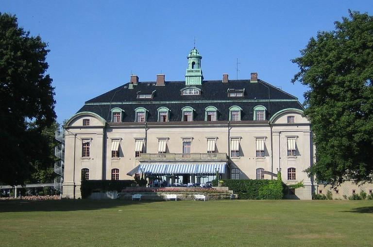 1024px-Swedish_castle_Örenäs
