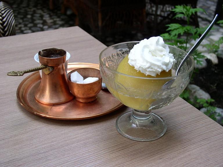 Tuhafija with coffee   © Antidiskriminator/WikimediaCommons