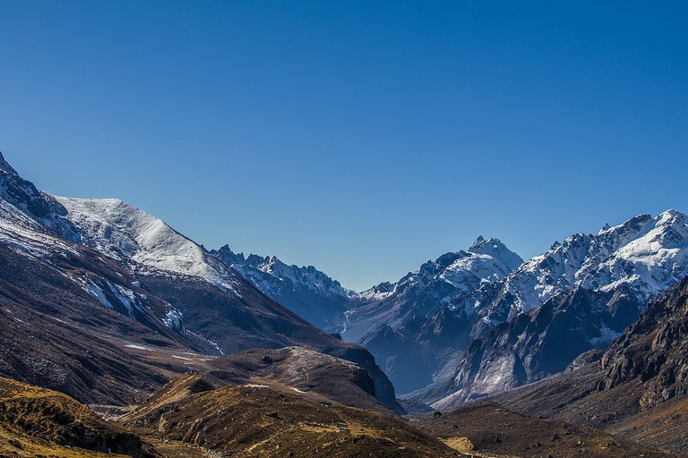 1280px-Himalayas_in_India