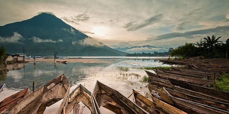 Lake Atitlan © Christopher William Adach / Flickr
