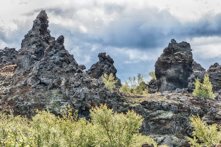 These volcanic rocks are said to be the petrified bodies of trolls | © chbaum / Shutterstock