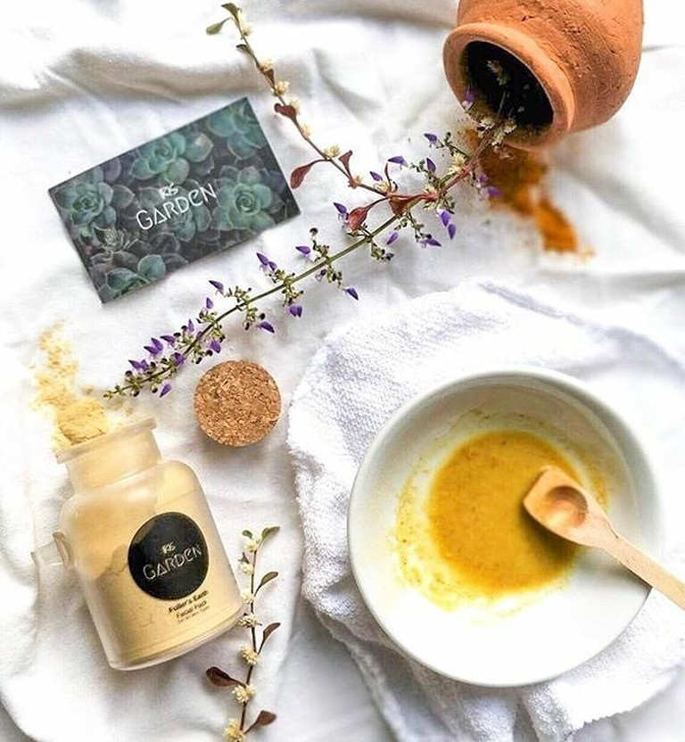 Fuller's earth, turmeric and gram flour are all that is needed to clear up your face