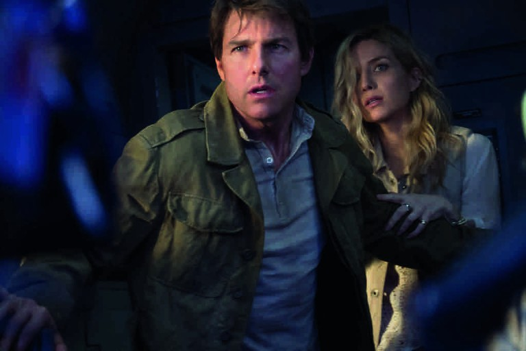 Tom Cruise and Annabelle Wallis in 'The Mummy' | © Universal Pictures