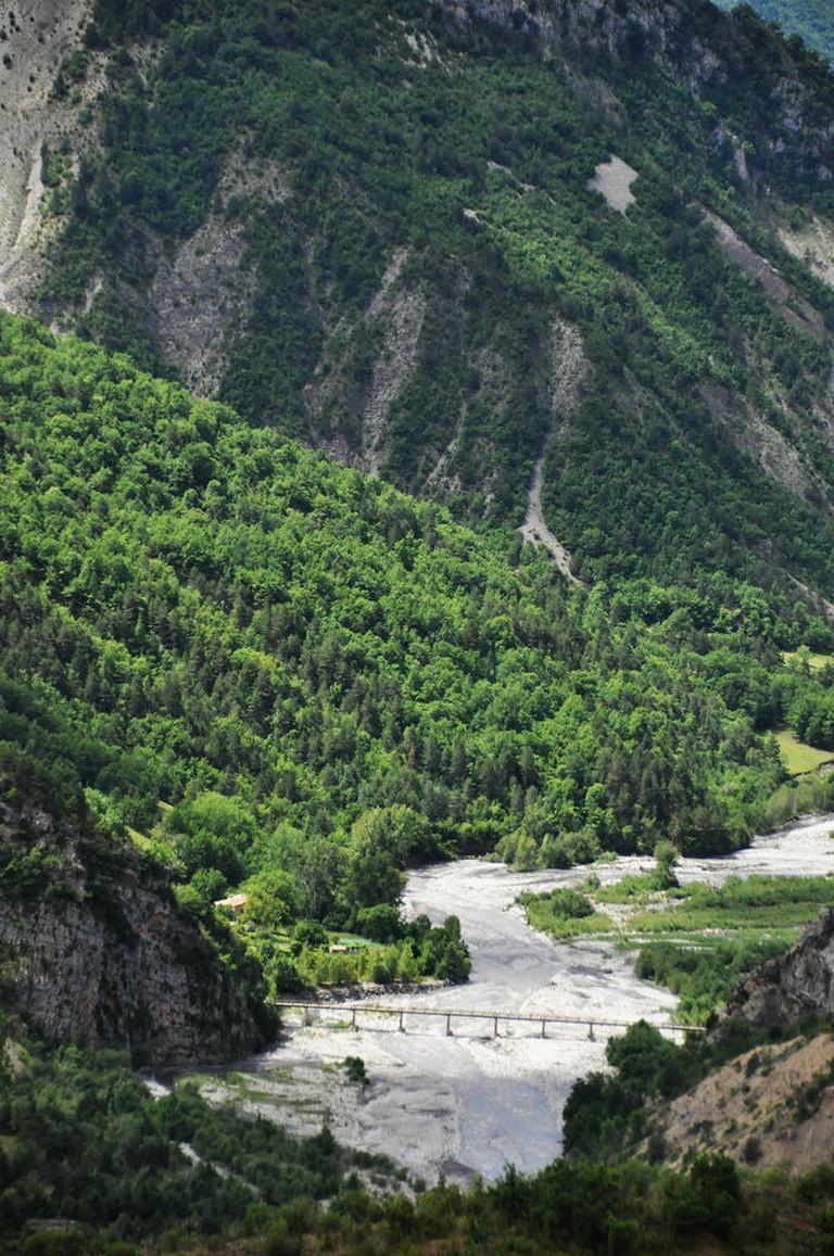 The road through the Mercantour National Park