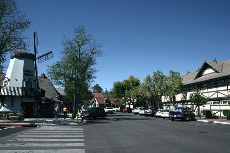 Solvang, in California, was founded by Danish settlers and is unsual for having this windmill | © Prayitno / Flickr
