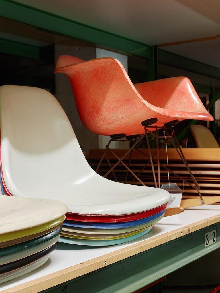 42. An Eames Celebration. Eames Collection, Vitra Design Museum, Photo Florian Bîhm_low