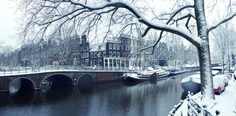 Snow on Amsterdam's canal belt