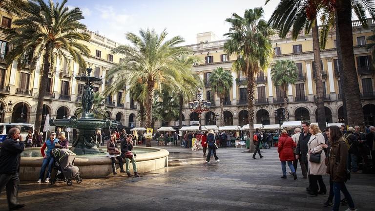 Plaça Reial, Barcelona | ©Skaramelka / Pixabay