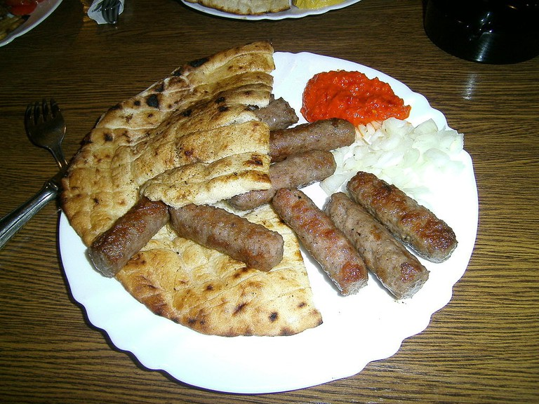 10 traditional bosnian dishes you need to try bosnian cevapi with somun smoothowikicommons forumfinder Images