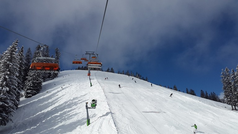 chairlift-2080001_1280