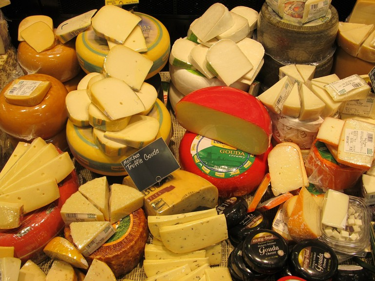 Different types of Dutch cheese
