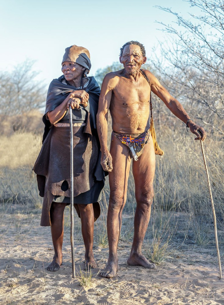 Crazy-Things-You-Have-To-Do-in-Africa_San-people